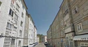 Unha muller de 84 anos é atendida por axentes da Policía Nacional cando estaba a sufrir un ataque en Covadonga