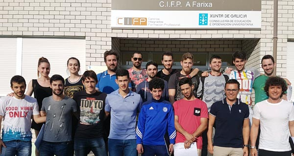 Formando a monitores de natación no CIFP A Farixa de Ourense