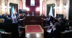 Democracia Ourensana e PSOE aproban no pleno a solicitude de dimisión de Jesús Vázquez
