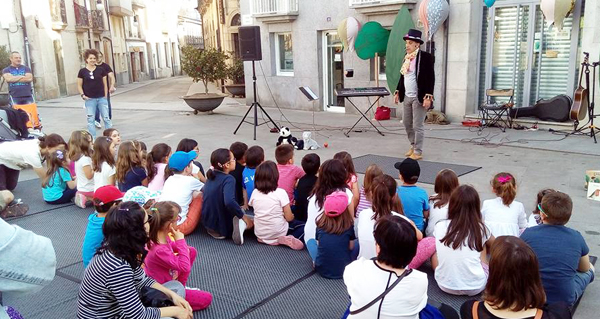 Numerosa participación nos actos da II Feira do Libro de Viana do Bolo