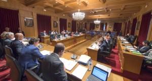 A Deputación aproba por unanimidade honrar a Casares coa medalla e ouro