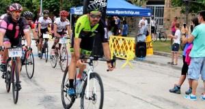 Uns cen ciclistas participan na XIX edición da Volta a Valdeorras