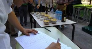 Unións Agrarias recolle sinaturas para levar a petición de axudas directas polas xeadas ao Parlamento