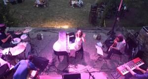 O godello fúndese coa música de ELE no xardín de Godeval