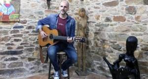 """As """"cancións veladas"""" de Carlos Domínguez, chegan a Valdeorras"""