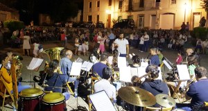 A Banda de Música de Sober pon son ao XVIII Baile á Luz da Lúa nesta localidade