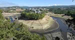 A seca desvela unha nova paisaxe en Viana do Bolo