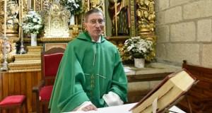 San Xoán de Río homenaxea a Jesús López, o seu párroco durante 40 anos