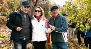 Catro valdeorreses promoven unha iniciativa para apadriñar castiñeiros centenarios abandonados