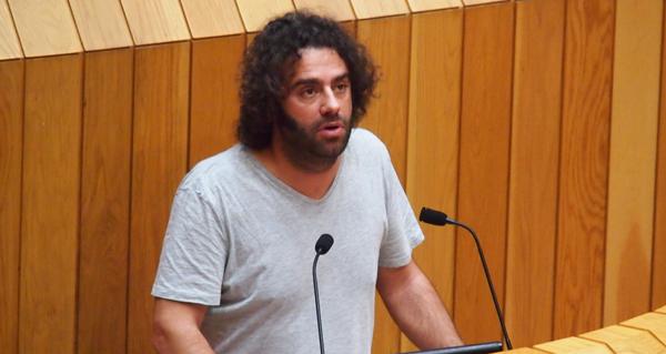 Davide Rodríguez (En Marea) pregunta no Parlamento polo desmantelamento da vella liña de 220 kV Trives- Aparecida