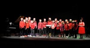 O concerto de Nadal do Conservatorio e da Escola de Música do Barco enche o Teatro Lauro Olmo