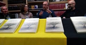 """Antón Ribeiro presenta o seu libro de relatos """"Á sombra dos bonsais"""" en Ourense"""