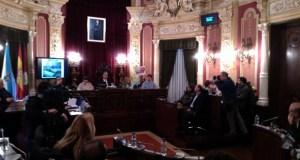 """O Pleno de Ourense aproba reclamar á Xunta máis recursos ante """"os recortes"""" no CHUO"""
