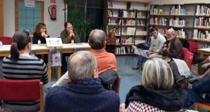A Biblioteca Municipal da Rúa acolle a presentación do libro editado pola poeta Rosa García