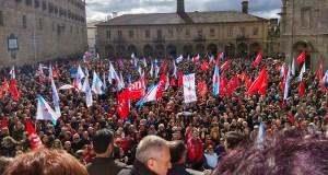 Multitude de persoas piden en Santiago a retirada da reforma da Lei de Saúde
