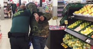 Un incidente nun céntrico supermercado barquense obriga a intervir á Garda Civil
