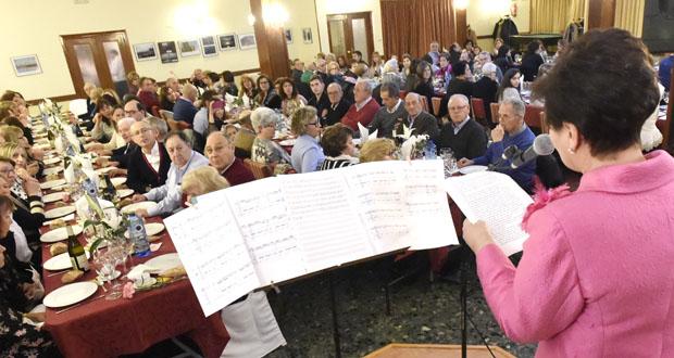 120 persoas asisten á cea benéfica da Asociación Española Contra o Cancro en Valdeorras