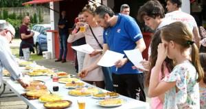 Partido de fútbol con sabor a tortilla, no campo de fútbol de Calabagueiros