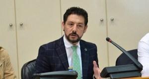 O deputado popular Moisés Blanco destaca no Parlamento a importancia da lousa en Valdeorras