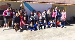 O Concello de Rubiá agasalla aos nenos do CEIP Virxe do Camiño con libros en galego