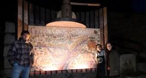 Un singular mural no inicio do camiño das Covas de Seadur (Larouco)