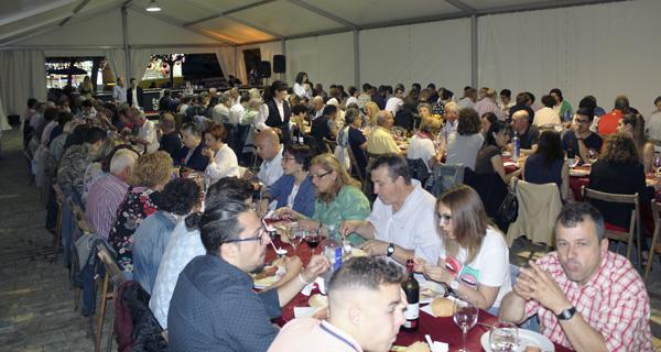 A cea popular de San Antón reúne a preto de 170 persoas en Fontei (A Rúa)