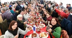 A XVII Festa da Empanada de Costrelas da Rúa supera expectativas
