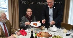 Unhas 150 persoas asisten á V Festa do Botelo do Barco en Vigo