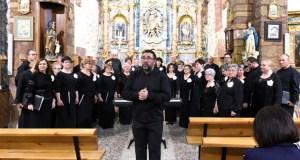 """A música sacra entra en """"De Perto"""" coas voces do Orfeón Valdeorrés"""