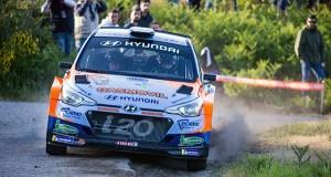 Velocidade e moitos abandonos na etapa do 52 Rallye de Ourense por terras do Carballiño