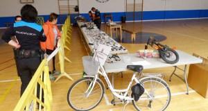 A Policía Local do Barco organiza unha exposición de obxectos perdidos no pavillón vello