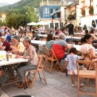 Moita música e unha cea popular, na Festa do Casco Vello do Barco