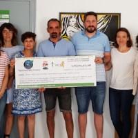 A AECC de Valdeorras recibe o talón da II Andaina e Trail Rubiá Solidaria polo Cancro Infantil