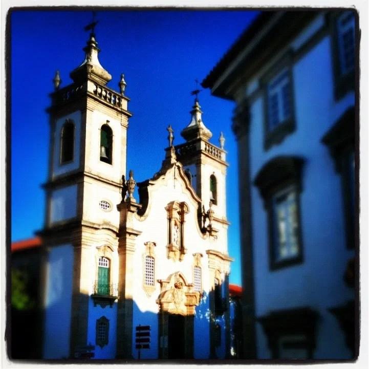 Igreja de Misericórdia, onde segundo a tradição terá outrora sido o lugar da primeira Sé da Diocese.