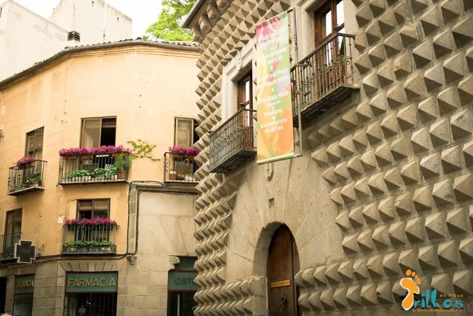 Segovia_osmeustrilho- Casa de los Picos -2