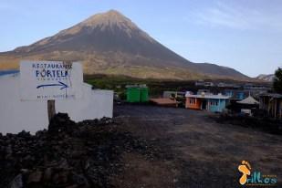 A aldeia de portela, no sopé do vulcão