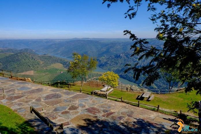 Parque de merendas no Miradouro de Penedo Durão