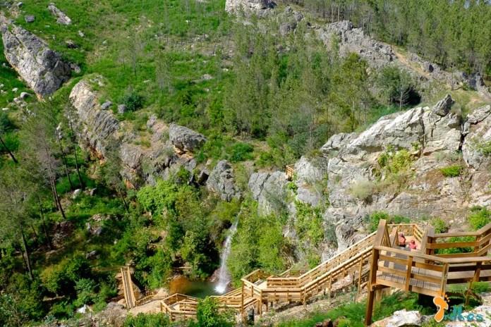 Passadiços do Orvalho e Cascata da Fraga de Água d'Alta.