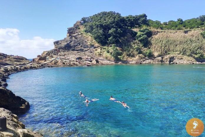 Á águas cristalinas do Ilhéu de Vila Franca do Campo são excelentes para a prática de snorkling.