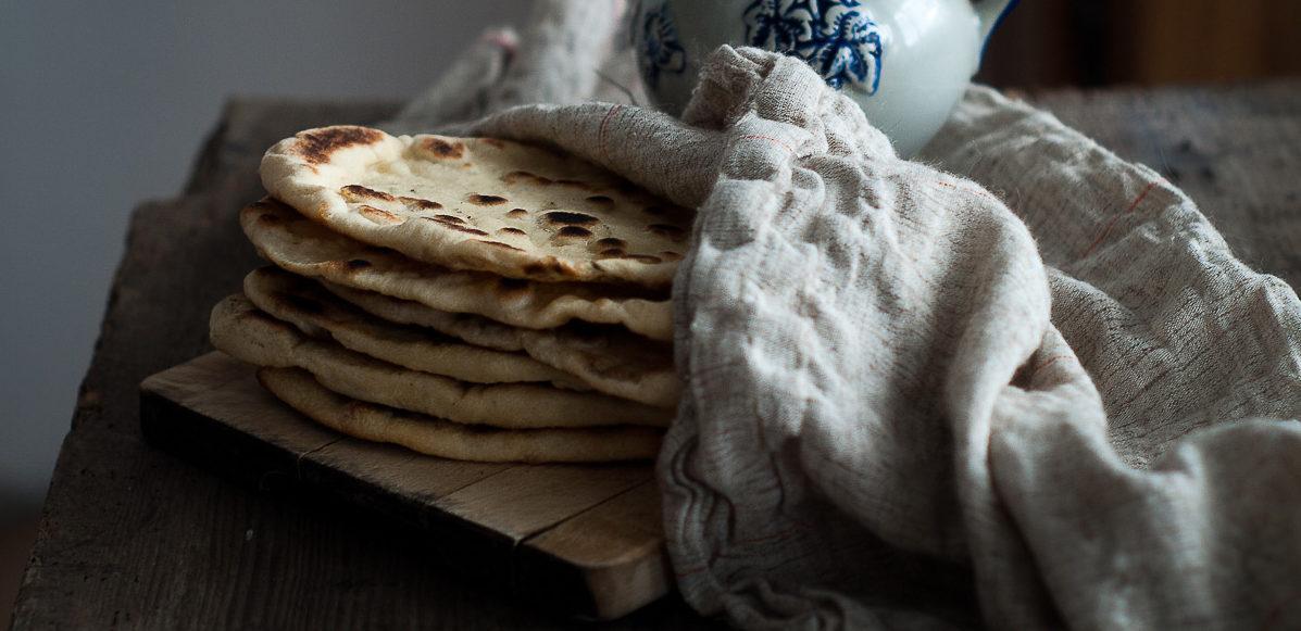 Naan Indyjskie Placki Chlebowe Z Patelni Przepis