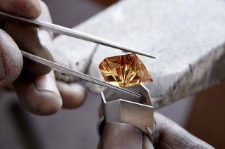 Fowkes Jewellery - Thoresby - Setting the citrine