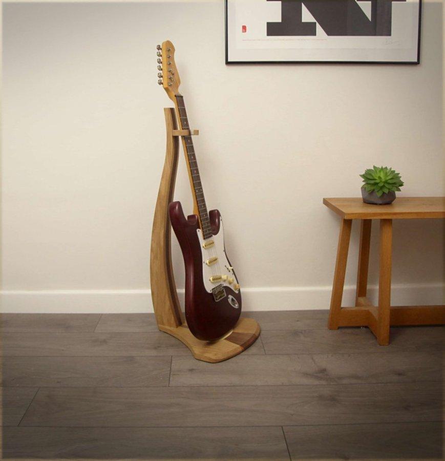 oakwalnut-guitarstand5 - Daniel Griffin