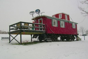 caboose-rail-car-house