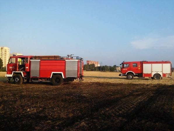 Pożar rżyska - Piastów, ul.Ogińskiego