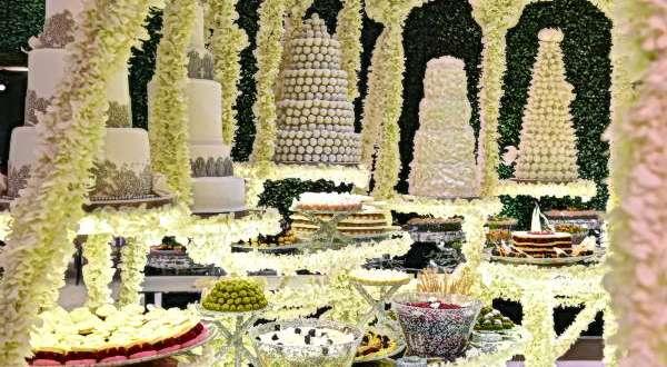 كعكة العرس من Lenôtre.. اختيارهـا فـن وذوق وتنـاسـق