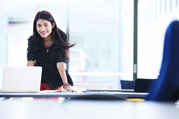صناعة المرأة الناجحة.. تبدأ من المراهقة