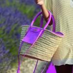 القش أبرز صيحات الموضة لإكسسوارات الصيف 