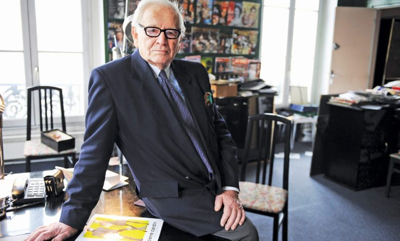 Photo of أبو الأزياء الجاهزة ومبتكر إطلالات العصر الفضائي  Pierre Cardin