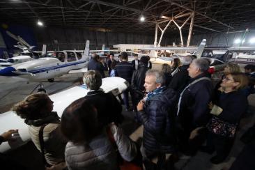 PA - hangar dell' aeroporto di Boccadifalco in notturna