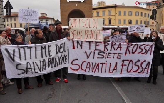 La protesta dei risparmiatori alla Leopolda 6